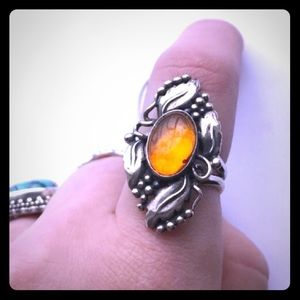 Sterling Silver Amber Ring w/ Intricate Designs. 5